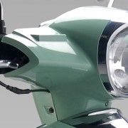 Tauris Roller Capri 50 / 2T Detailansicht Lampe vorne