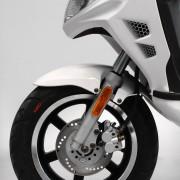 Tauris Roller Fuego 50 / 2T Detailansicht Reifen vorne